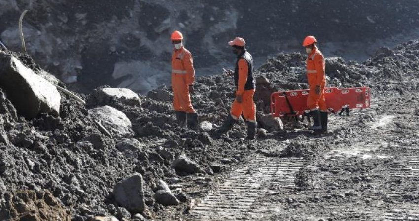 Ινδία: Λεωφορείο βούτηξε σε κανάλι.Τουλάχιστον 39 νεκροί