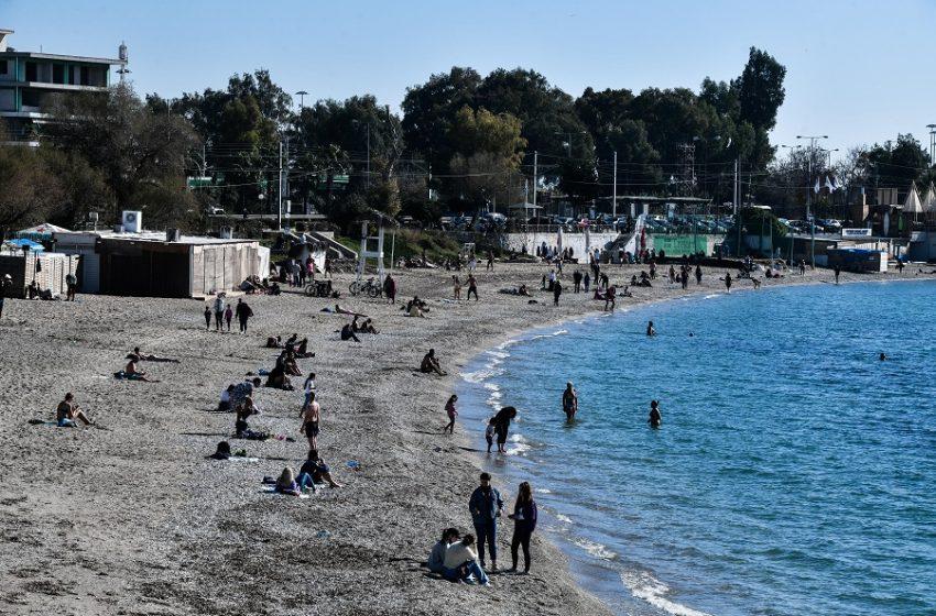 """Αστυνομία παντού: Εκτεταμένοι έλεγχοι και μπλόκα – """"Φίσκα"""" η παραλία το πρωί, έρημη πόλη η Αθήνα από τις 6"""