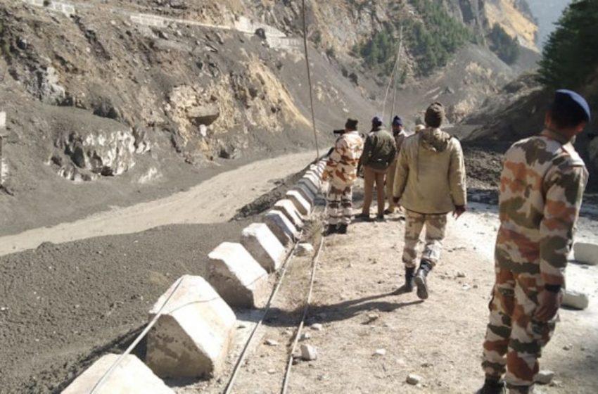 Ινδία: Φόβοι για 150 νεκρούς από κατάρρευση τμήματος παγετώνα των Ιμαλαΐων (vid)