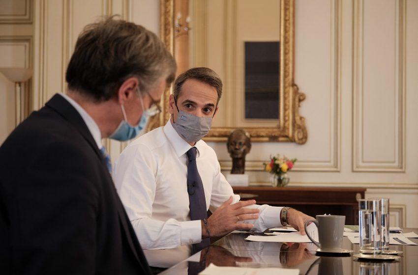 Έκτακτη σύσκεψη στο Μαξίμου για το lockdown – Το προανήγγειλε ο Υπουργός Υγείας