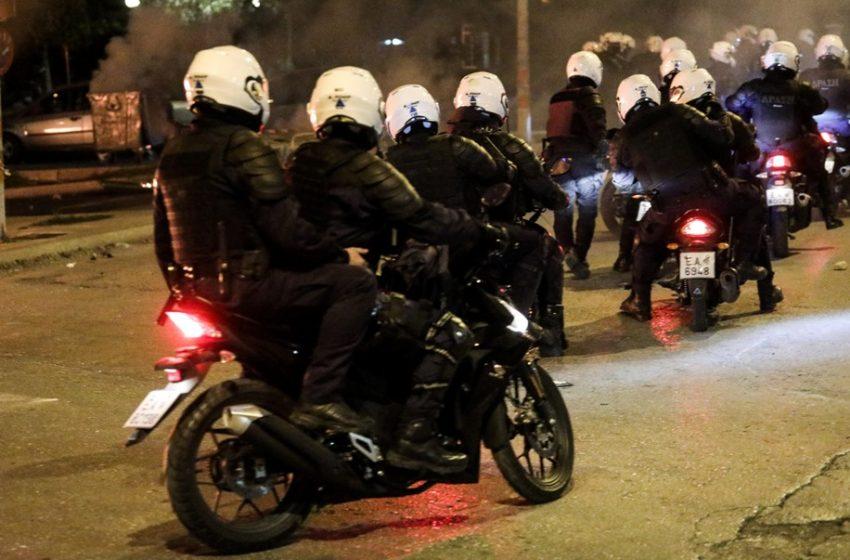 Νέα Σμύρνη: Η ανακοίνωση της Αστυνομίας για τα επεισόδια. Δέκα συλλήψεις, τρεις τραυματίες