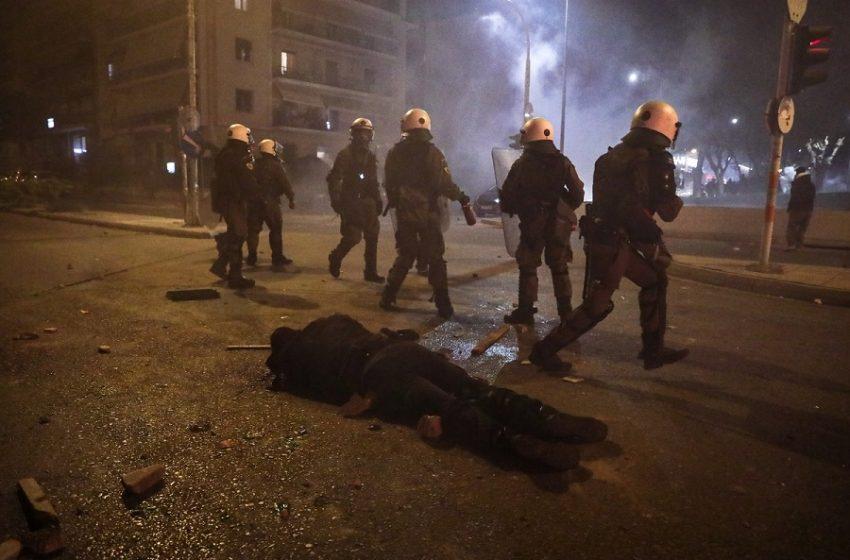"""""""Ήθελαν να με σκοτώσουν"""" – Η κατάθεση του αστυνομικού για την επίθεση στη Νέα Σμύρνη"""
