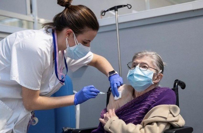 El Pais: Προς επανάληψη των εμβολιασμών με Astra Zeneca στην Ισπανία