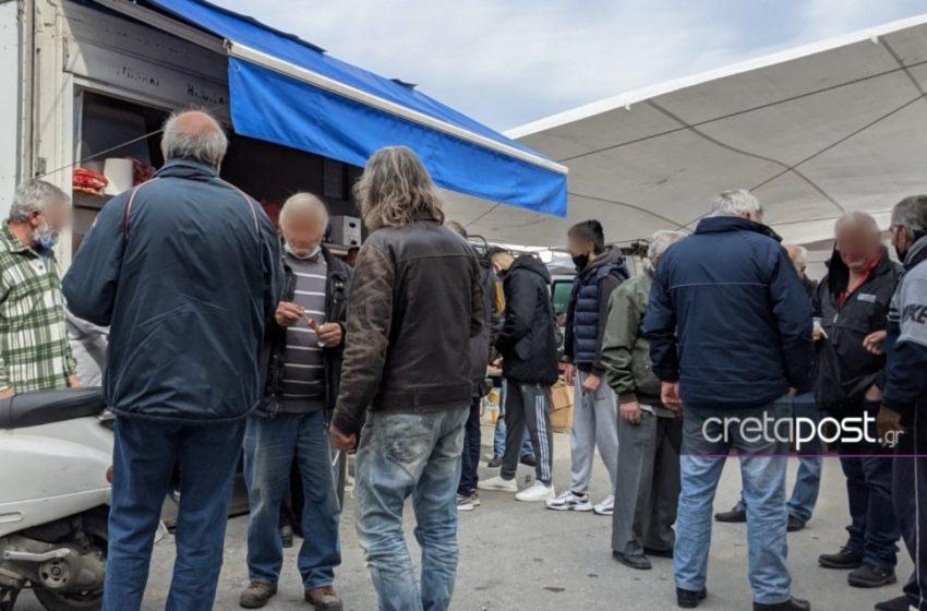 Lockdown με μπίρες και σουβλάκια σε λαϊκή αγορά στο Ηράκλειο
