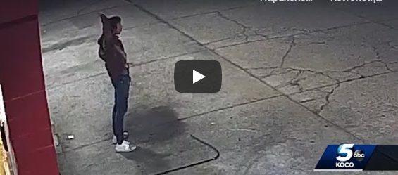 Βίντεο σοκ: Αστυνομικοί πυροβολούν 13 φορές 15χρονο που είχε σηκώσει τα χέρια ψηλά (vid)