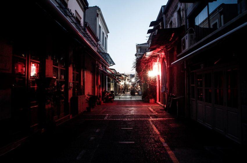 Lockdown : Aπαγόρευση κυκλοφορίας από τις 9 το βράδυ, ανοίγουν κομμωτήρια και αρχαιολογικοί χώροι