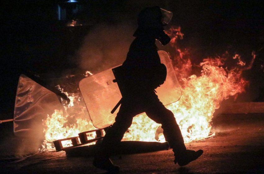 """Νέος γύρος αντιπαράθεσης με αφορμή το βίντεο της Νεολαίας ΣΥΡΙΖΑ: «Λυμένα χέρια-Δεμένη Δημοκρατία"""" – ΝΔ: """"Είναι απαράδεκτο"""""""