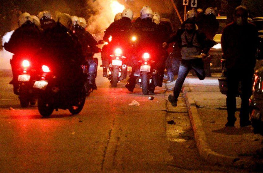 Νέα Σμύρνη: Τους συνέλαβαν μέσα στο σπίτι τους (vid)