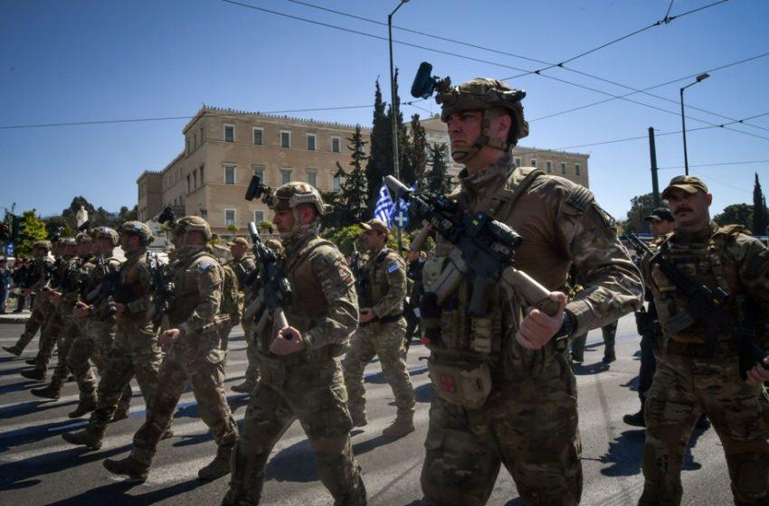 25η Μαρτίου: Δρακόντεια μέτρα ασφαλείας – Ελικόπτερα, drones και αστυνομικά μπλόκα