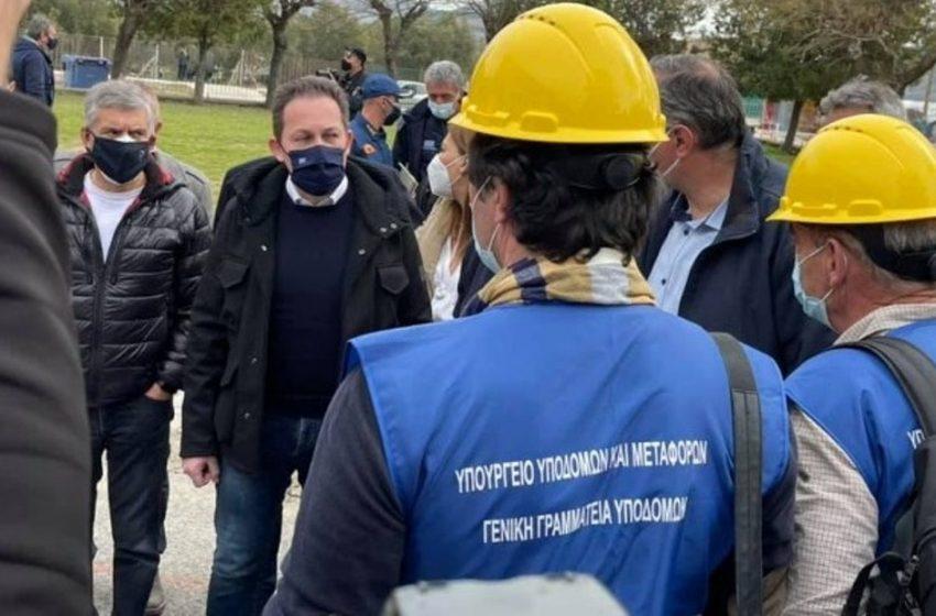 Πέτσας: Μέχρι την Τρίτη οι οικίσκοι για τους κατοίκους στην Ελασσόνα