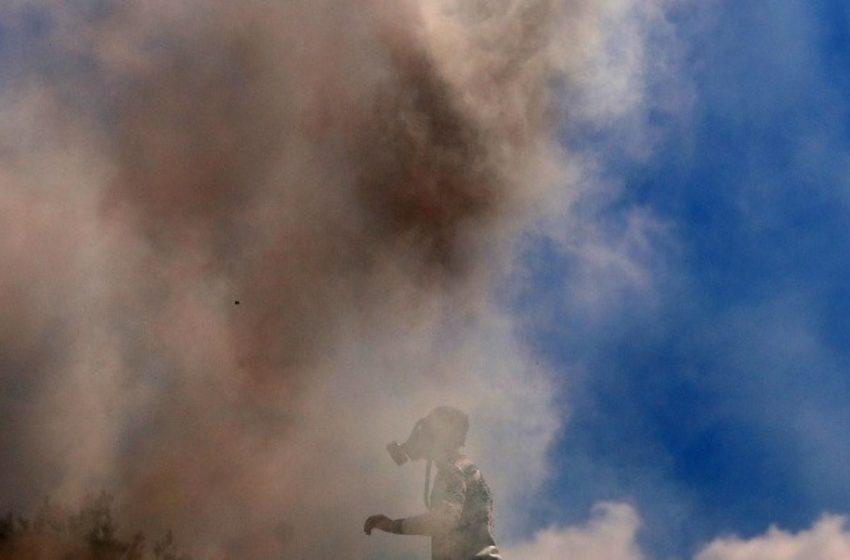Συρία: Πυραυλικές επιθέσεις σε  διυλιστήρια κοντά στα σύνορα με την Τουρκία (vids)