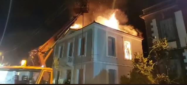 """Κεραυνός """"χτύπησε"""" σπίτι στη Λέσβο (εικόνες)"""