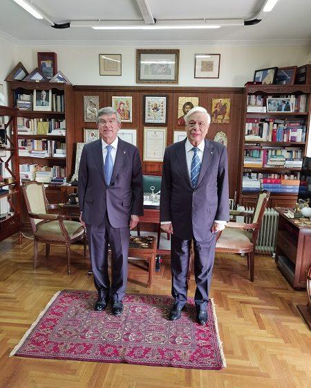 Συνάντηση με τον πρόεδρο της ΔΟΕ Τόμας Μπαχ είχε ο Προκόπης Παυλόπουλος