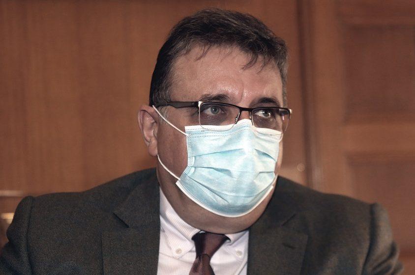Eξαδάκτυλος: Αύξηση θανάτων και διασωληνωμένων τις επόμενες ημέρες