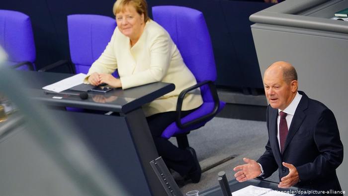 SZ: Η Γερμανία καταφεύγει σε δανεισμό 200 δισ. για να ενισχύσει την αγορά λόγω πανδημίας- Συμπληρωματικός προϋπολογισμός από Σολτς