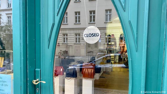 Γερμανία: Με rapid test η είσοδος στα εμπορικά κέντρα;- Έκρηξη κρουσμάτων και αγωνία για την οικονομία