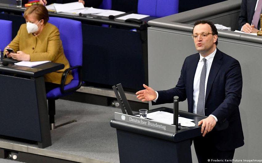 Γερμανία: Στο στόχαστρο η κυβέρνηση Μέρκελ για την διαχείριση της πανδημίας