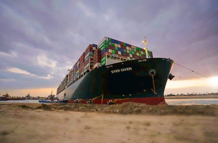 Ever Given: Τσάι, πρόβατα και πετρέλαιο είχαν εγκλωβιστεί στο Σουέζ