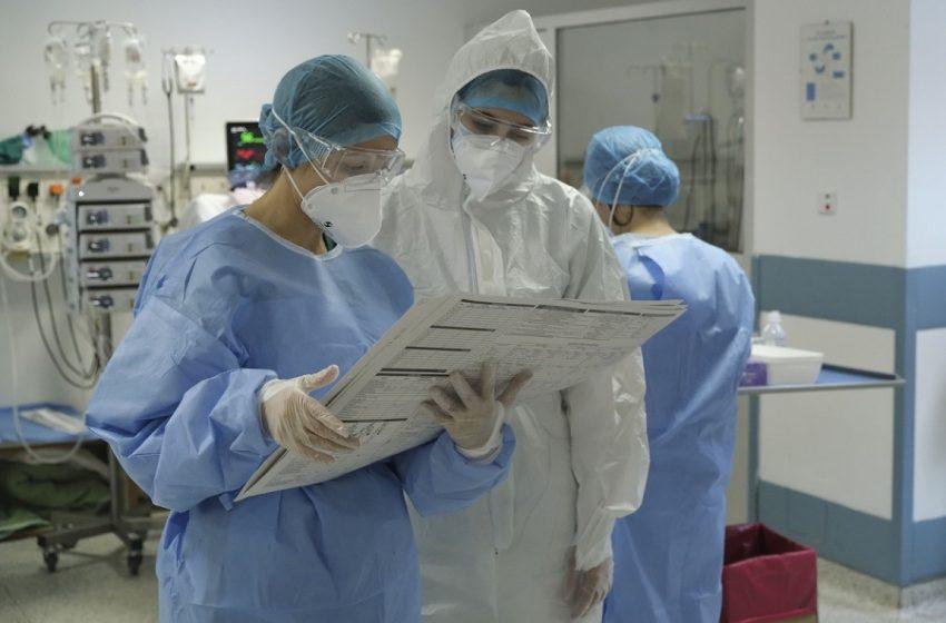 ΕΣΥ: 476 εισαγωγές ανά ημέρα- Στα 44 έτη η διάμεση ηλικία των ασθενών Covid