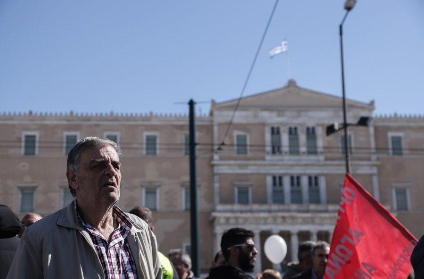 Συστήνεται Ταμείο Επικουρικής Ασφάλισης – Τι προβλέπει το νέο ασφαλιστικό – Έντονη αντίδραση του ΣΥΡΙΖΑ