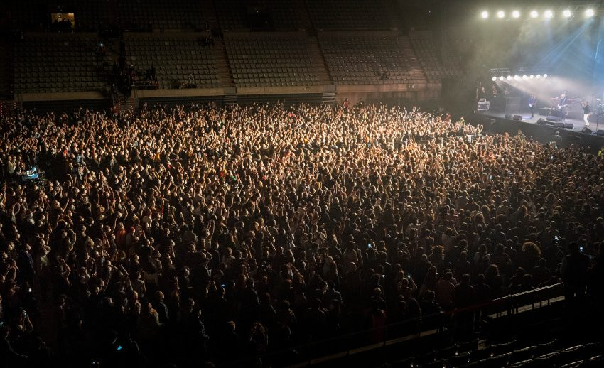 Λίβερπουλ: Συναυλία – πείραμα με 5.000 θεατές χωρίς μάσκες