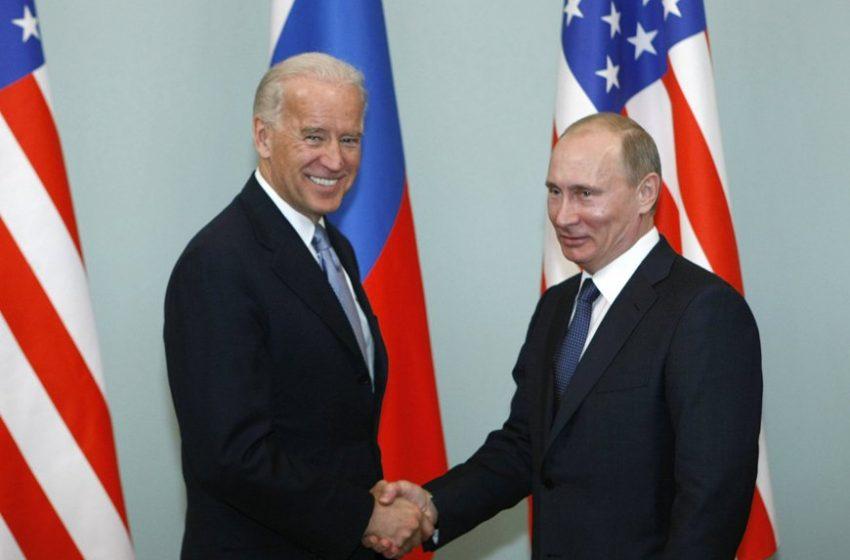 """Μπάιντεν-Πούτιν: Το πρώτο τηλεφώνημα μετά την ένταση –  Συνάντηση σε """"ουδέτερο έδαφος"""" πρότεινε ο Πρόεδρος των ΗΠΑ"""