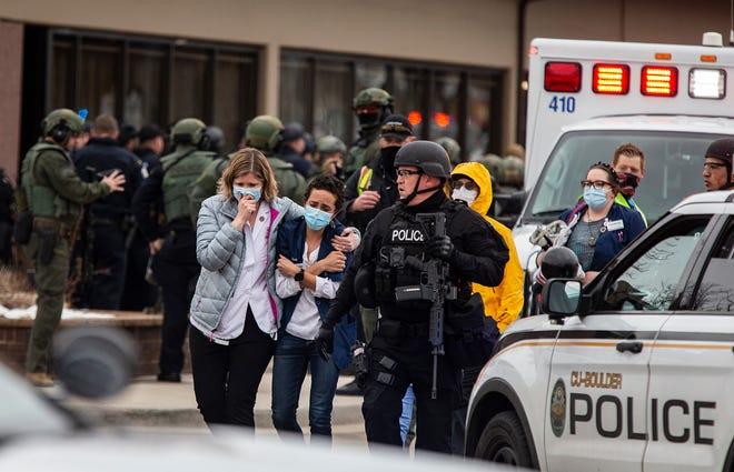 Μακελειό με δέκα νεκρούς σε σούπερ μάρκετ στο Κολοράντο (vid)