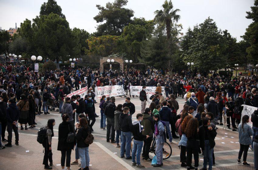 Πολιτικό μορατόριουμ: Τι προτείνει ο Βατόπουλος σε κυβέρνηση και αντιπολίτευση για να σταματήσει η υπερμετάδοση