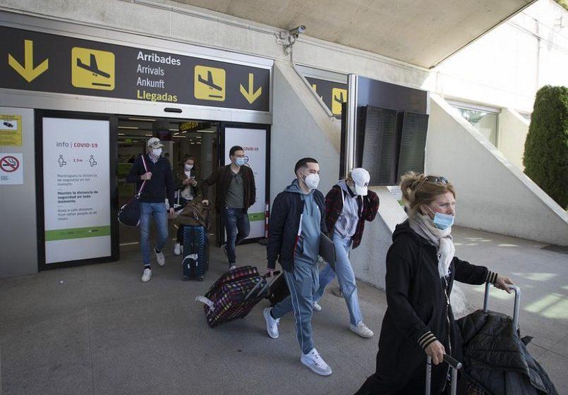Ισπανία: Υποχρεωτικές οι μάσκες και στις παραλίες