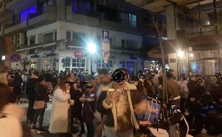 Θεσσαλονίκη: Το αδιαχώρητο στα καφέ της Μητροπόλεως