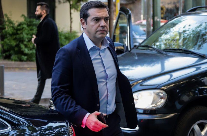 """""""Σύννεφα"""" στην Κουμουνδούρου: Φίλης, Δρίτσας απείχαν από την ψηφοφορία για το ελληνικό – Συνεδριάζει το ΠΣ του ΣΥΡΙΖΑ"""