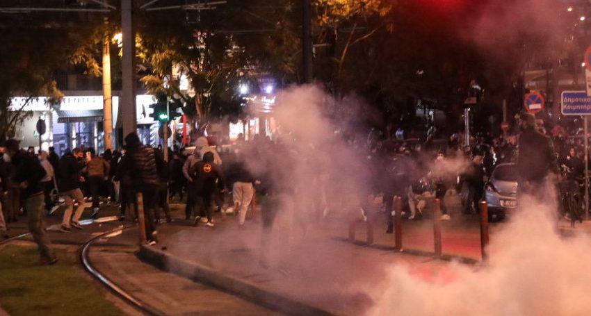 Νέα Σμύρνη: ΕΔΕ…ησε να διατάξει έρευνα η ΕΛ.ΑΣ- Αντιφάσεις για την αναίτια αστυνομική βία- Θύελλα αντιδράσεων
