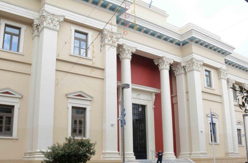 Στον εισαγγελέα οι συλληφθέντες για κορωνοπάρτι με 98 άτομα στην Πάτρα