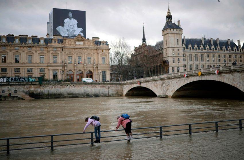 Φρίκη στο Παρίσι: Ζευγάρι 15χρονων ξυλοκόπησαν και έπνιξαν στον Σηκουάνα 14χρονη