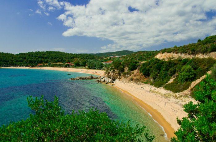 """Σαν…Χαλκιδική (και Πάτμο) δεν έχει- Travel& Leisure: Δύο ελληνικές, στις 10 """"μυστικές"""" παραλίες της Ευρώπης"""