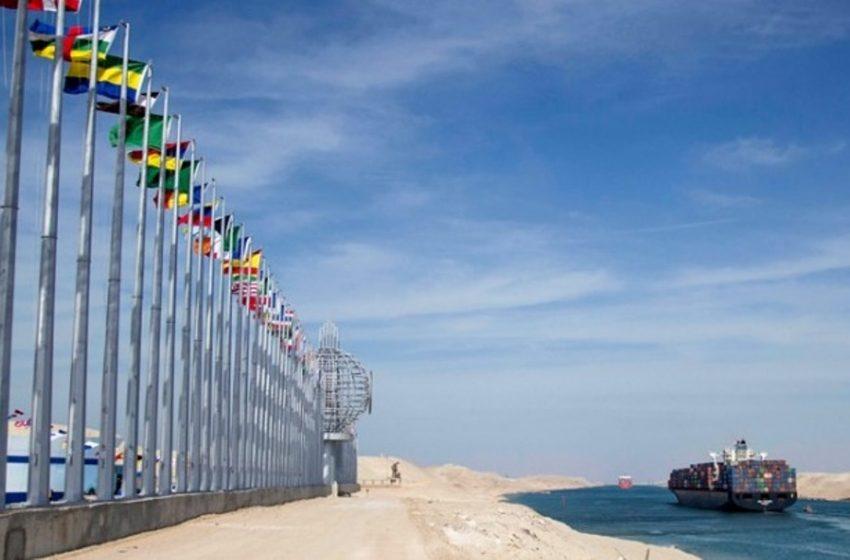 Γιγαντιαίο πλοίο προσάραξε και έκλεισε τη Διώρυγα του Σουέζ