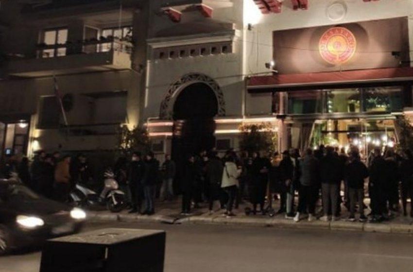 """Θεσσαλονίκη : """"Κοσμοσυρροή"""" για ένα ποτό take away"""