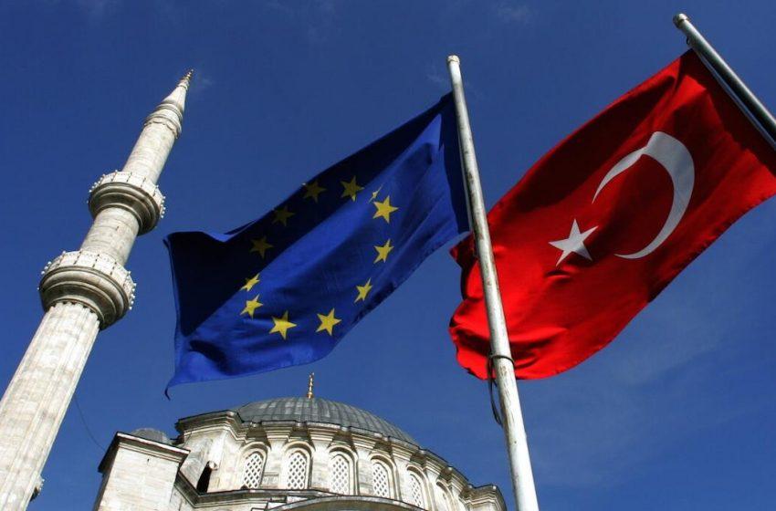 "Die Welt: ""Η ΕΕ δρομολογεί αναβάθμιση της τελωνειακής ένωσης με τη Τουρκία"""