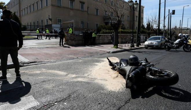 """#ΤροχαιοΒουλη: """"Παράνομη η αριστερή στροφή  που έκανε ο αστυνομικός – Κακή η συμπεριφορά του τροχονόμου"""" λέει ο πρόεδρος των Αστυνομικών"""