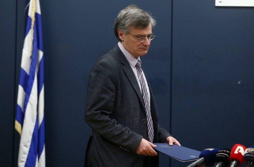 """""""Θέμα Τσιόδρα"""" στην επιτροπή ειδικών- Θύελλα μετά την παρέμβαση Κοτανίδου- Σπεύδει για αλλαγές ο Κικίλιας- Βαρύ κλίμα μεταξύ των λοιμωξιολόγων"""