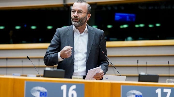 Βέμπερ: Η ΕΕ δεν θα επιτρέψει να εκβιαστεί από τον Ερντογάν στο προσφυγικό