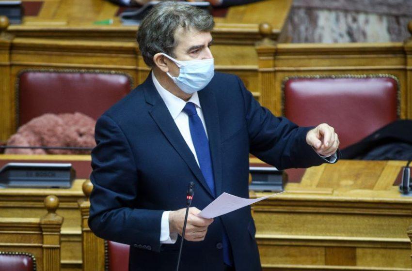 Χρυσοχοΐδης: Ζητώ συγγνώμη από όποιον έχει υποστεί αστυνομική αυθαιρεσία
