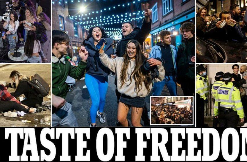 "Mε έφοδο στις παμπ γιόρτασαν οι Βρετανοί την πρώτη μέρα ""ελευθερίας"" τους (εικόνες)"