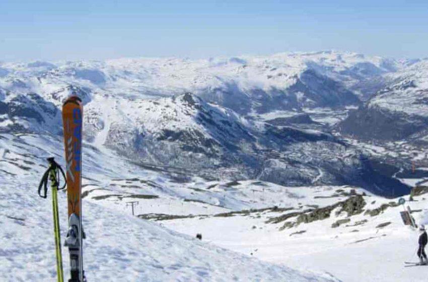 Σουηδία: Πήγε με σκι στη Νορβηγία για να γλυτώσει την καραντίνα – Τον διέσωσαν ψαράδες και ένας εκτροφέας ταράνδων