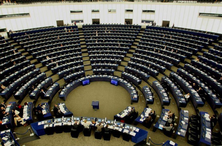 Ευρωκοινοβούλιο: Πράσινο φως για το πιστοποιητικό εμβολιασμού