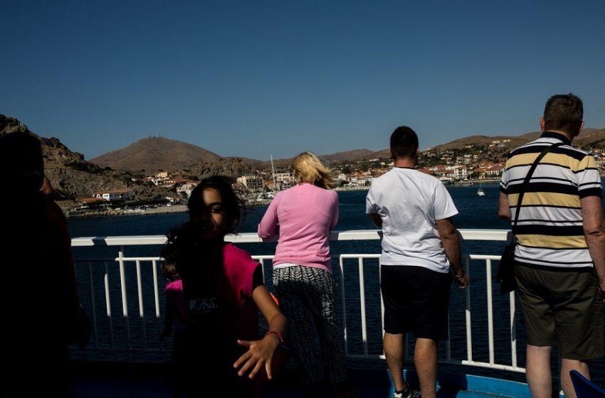 """Ξεκινάει το """"πείραμα"""" της Ρόδου – Στο νησί το απόγευμα Ολλανδοί τουρίστες"""