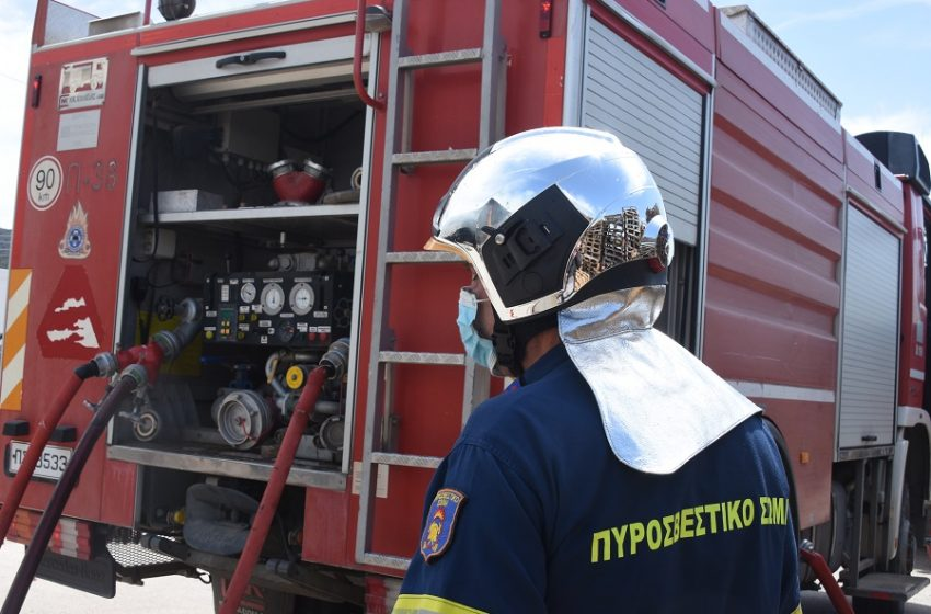 Φωτιά σε φορτηγό στην Εθνική: Έκλεισε η Αθηνών – Λαμίας