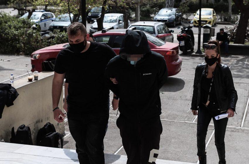 Επίθεση με καυστικό υγρό στην Κυψέλη: Στον εισαγγελέα ο 25χρονος