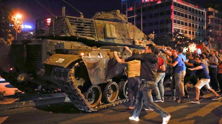 Τουρκία: Ισόβια σε ακόμη 22 απόστρατους για την απόπειρα πραξικοπήματος του 2016