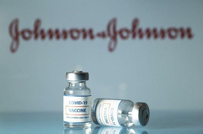 """""""Μούδιασε"""" στο σώμα μετά από τον εμβολιασμό της με Johnson & Johnson"""